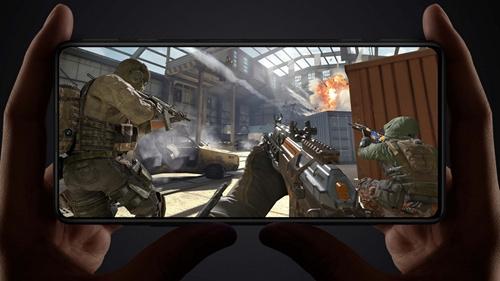 配备OLED柔性直屏红米正式发布首款游戏手机