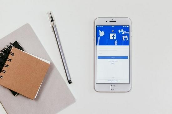 Facebook新财报亮眼业绩背后有阴霾