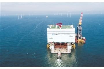 潮汐力托举2.2万吨钢铁巨屋世界最大海上换流站落户江苏如东